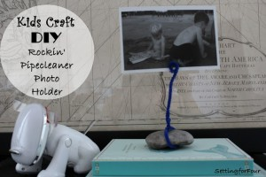 Kids Craft – DIY Pipecleaner Photo Holder