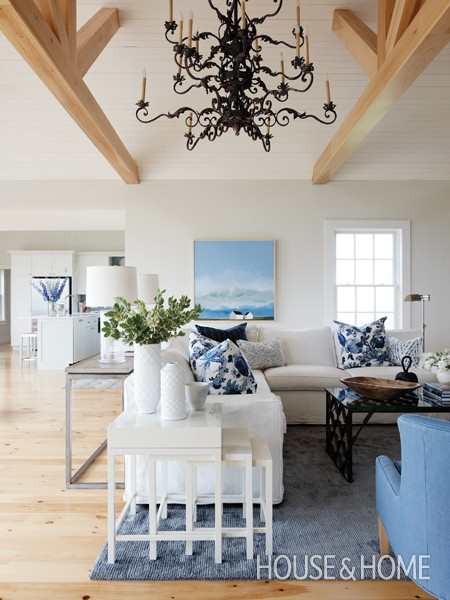 Relaxing And Comfortable Sea Inspired Cottage Living Room
