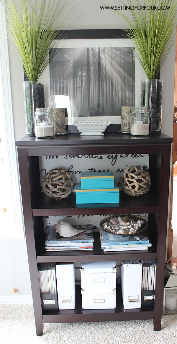 Bookcase Makeover tip #QuickandEasy