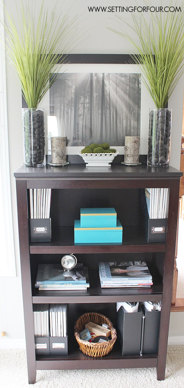 My Bookcase Before it's Makeover - see the full makeover and after pictures! #QuickandEasy
