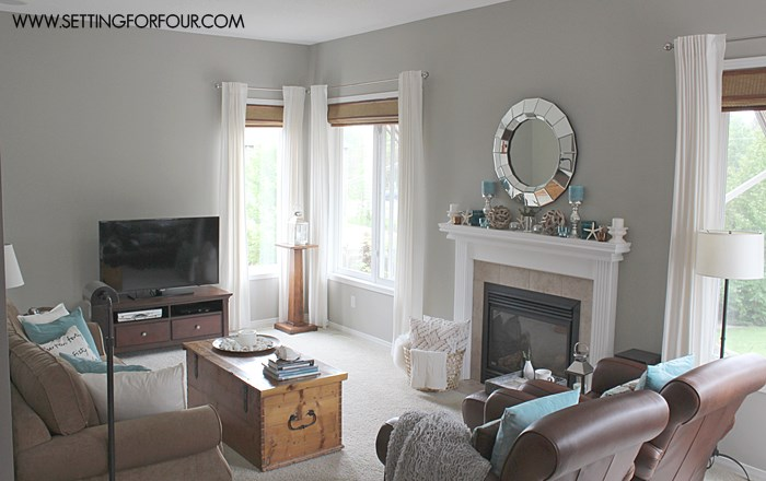 Living Room Makeover with Before and After Photos #QuickandEasy