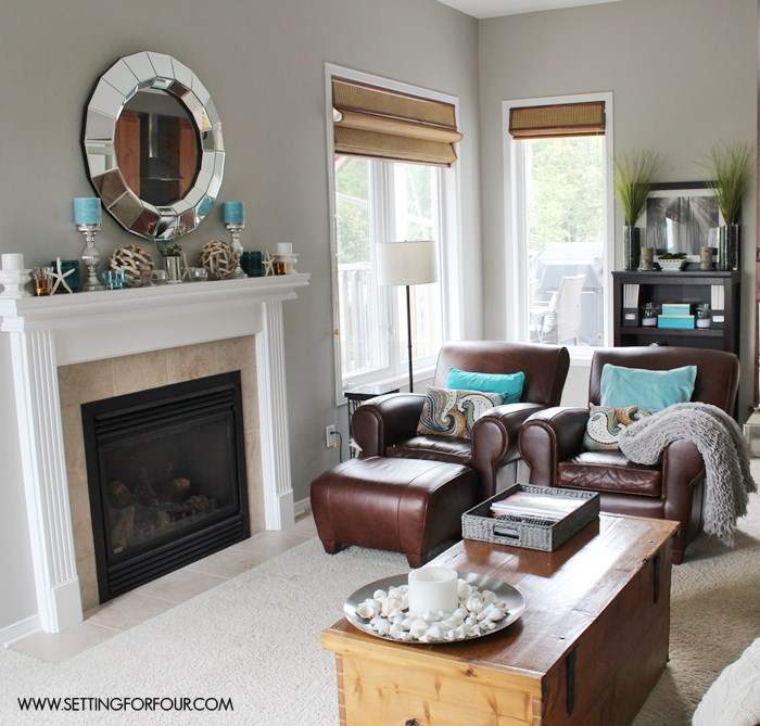 My Living Room Before Makeover - see the full makeover and after pictures! #QuickandEasy