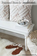 See this amazing Painted Bench Makeover and tutorial - this is such an easy DIY Home Decor project! Use it with a dining table or in a foyer!