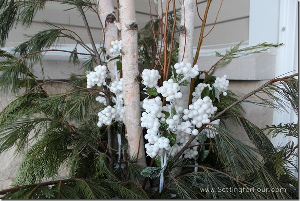 Make these outdoor urns for winter will dress up your front door for loads of beautiful curb appeal!