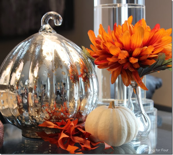 DIY Fall Vignette - how to decorate your home for fall!