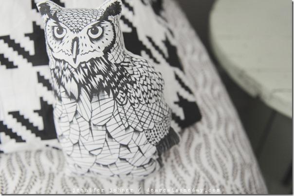 DIY Black and White Owl Pillow