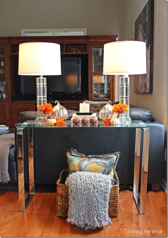 how to create and decorate a fall vignette setting for four