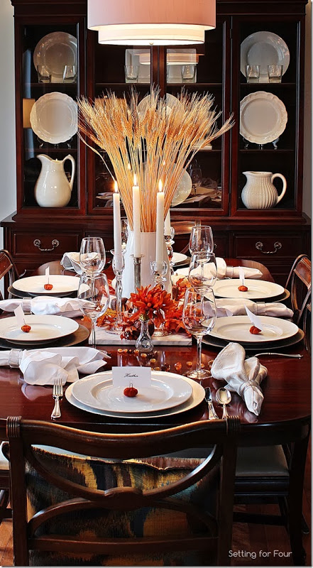 A Bountiful Harvest Thanksgiving Tablescape