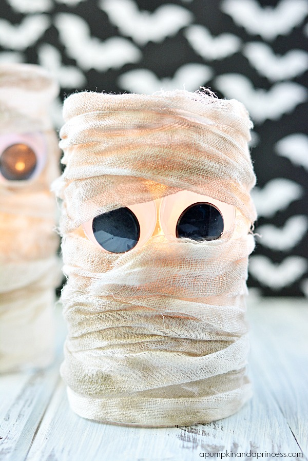 DIY Halloween Mummy Lantern