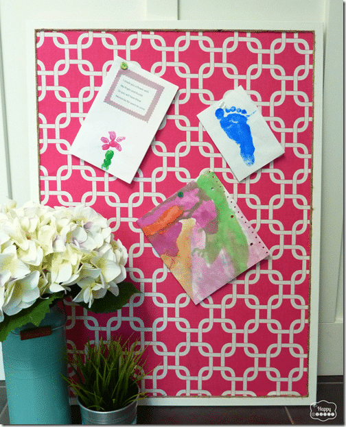 Organize-with-Fabric-Covered-bulletin-board-at-thehappyhousie-829x1024_thumb[1]