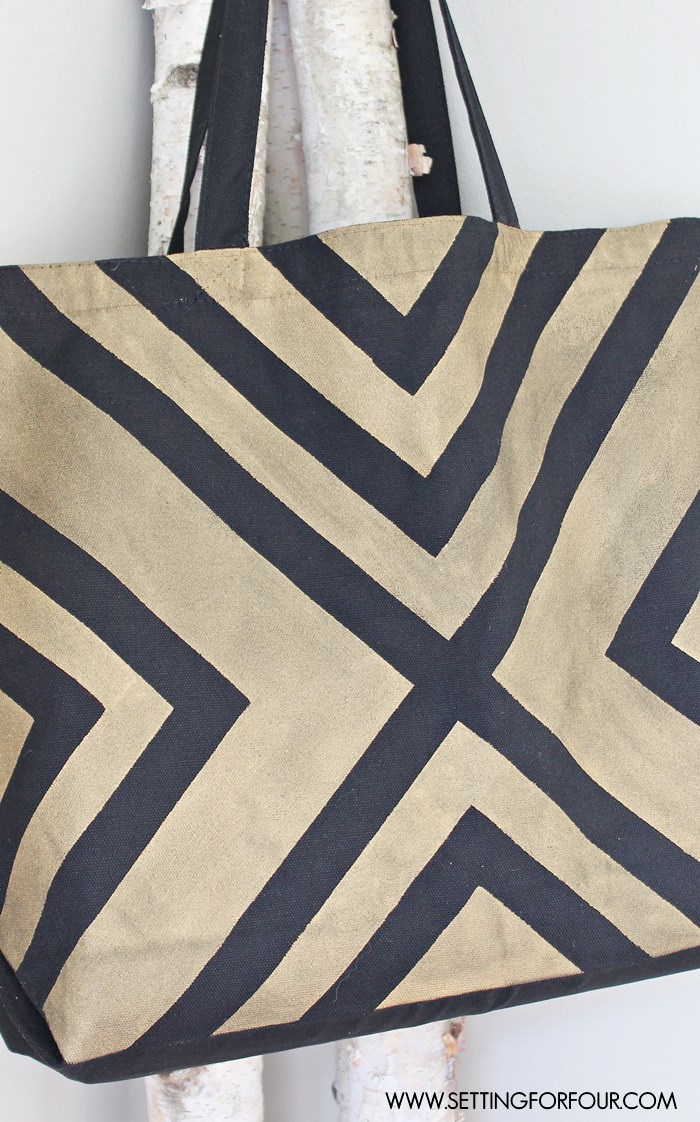 Easy DIY Black and Metallic Gold Tote Bag with a Stylish Graphic Pattern! - great gift idea!
