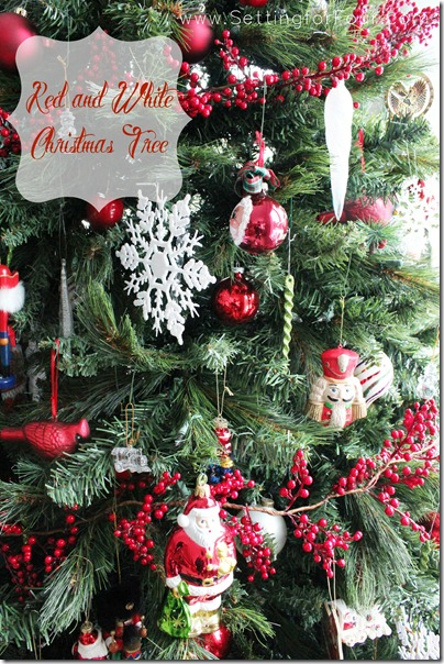 Red and White Christmas Tree from Setting for Four #Christmas #tree #holiday #red #white #decor