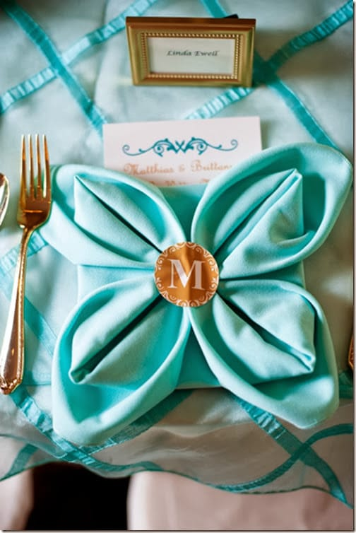 southern-wedding-turquoise-linens