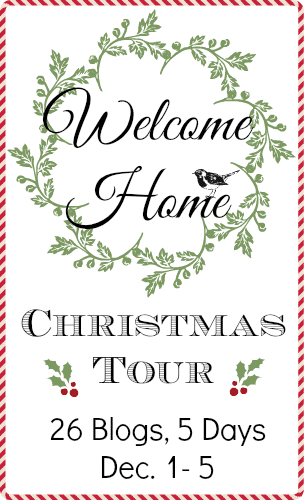 Welcome Home Christmas tour - see 26 Holiday Entryway and Porch DIY Decor Ideas! www.settingforfour.com