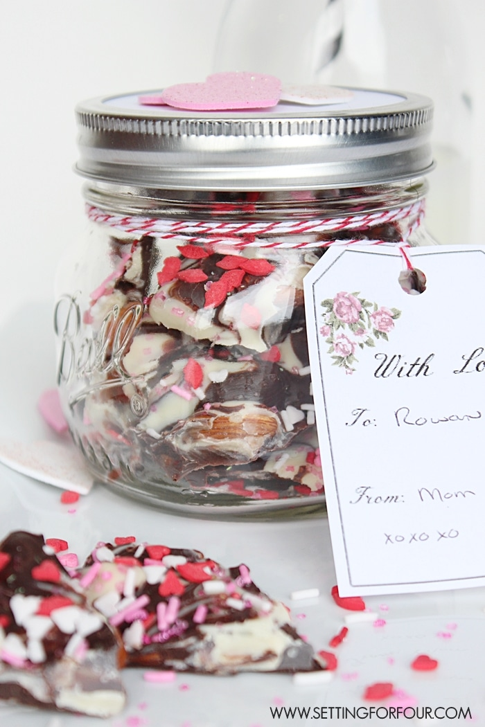 Chocolate Bark Mason Jar Valentine Gift Idea