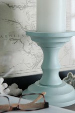 Painted Candlesticks - Beautiful DIY Home Decor: See how I turn thrift store finds into beautiful DIY home decor! See this tutorial to learn how to make inexpensive thrift store candlesticks this gorgeous blue color to make Beautiful Home Decor ON A BUDGET!