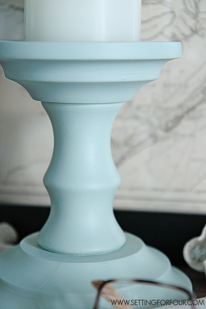 Easy DIY Home Decor Idea: Painted candlesticks - see this beautiful DIY paint tutorial!