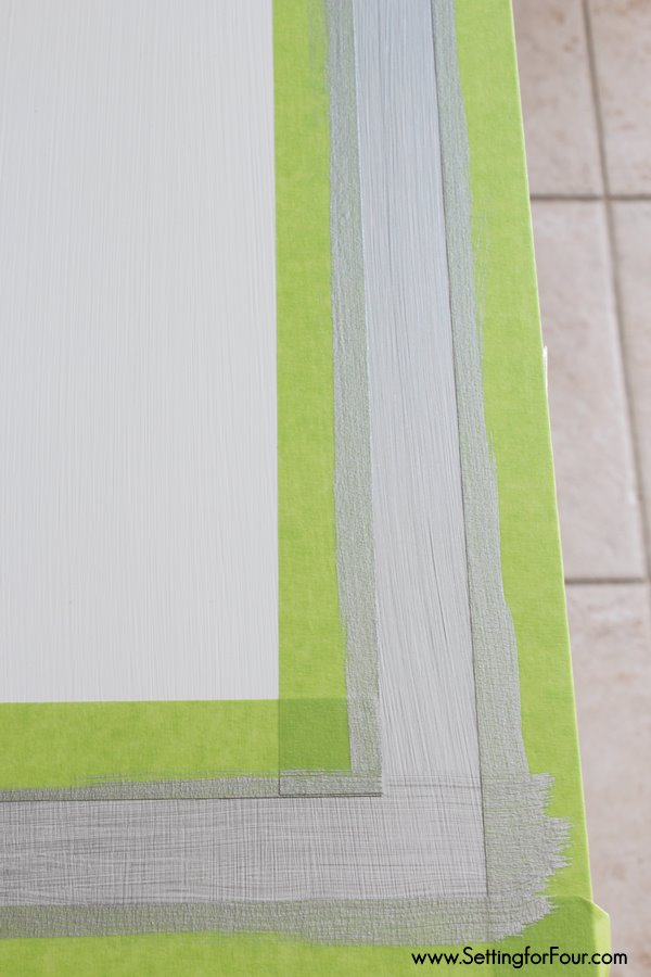 What a clever trick! How to Paint a perfect stripe border on a table top - without measuring! www.settingforfour.com