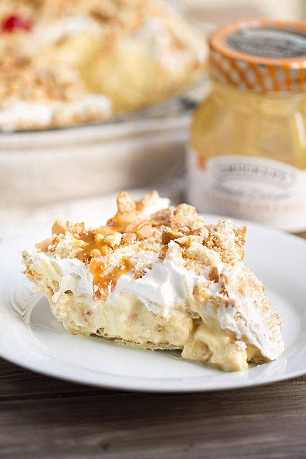 Banana Cream Pie with Caramel Sauce