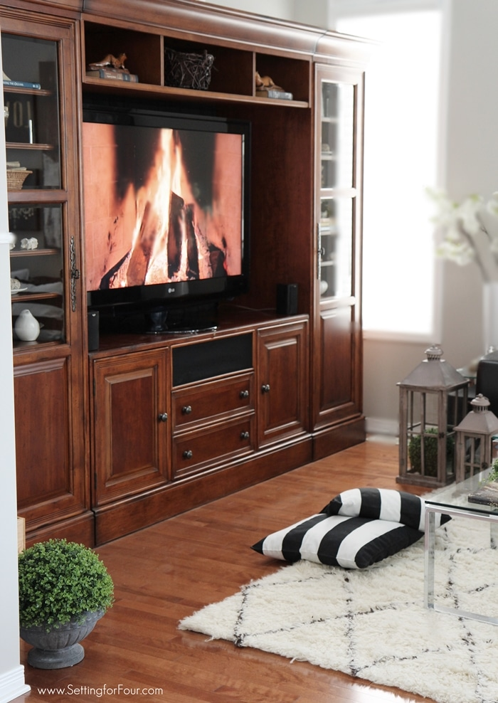 Living room TV entertainment center decor