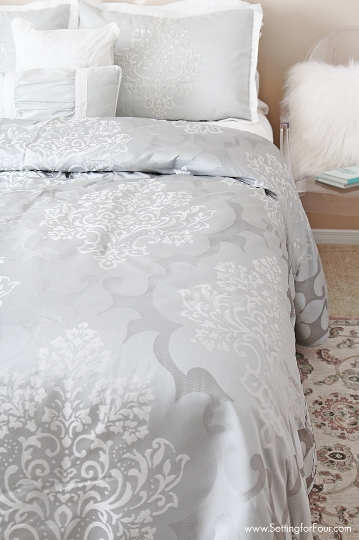 New bedding for the guest bedroom decor ideas. www.settingforfour.com