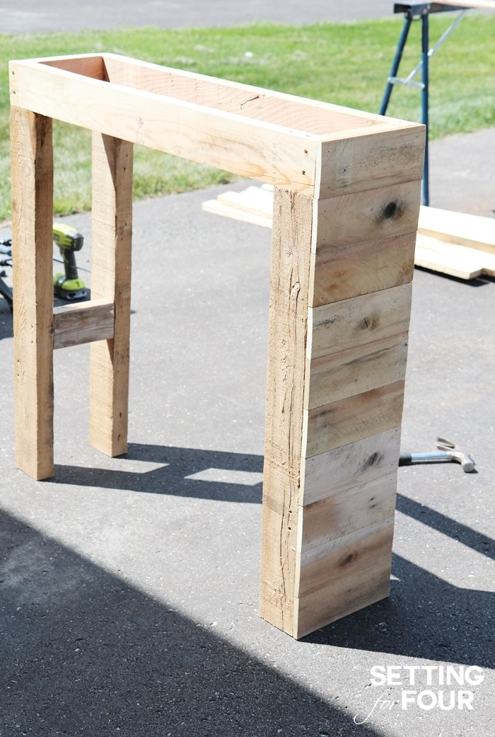 DIY Pallet Bar - Instructions to Make! - Page 2 of 2 ...