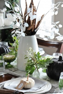 Give your table and basic white dishes a showstopping look for Fall and Thanksgiving with these easy decorating ideas! Add natural elements, botanical accents and individual place cards to your table top for a sophisticated rustic glam ambiance.