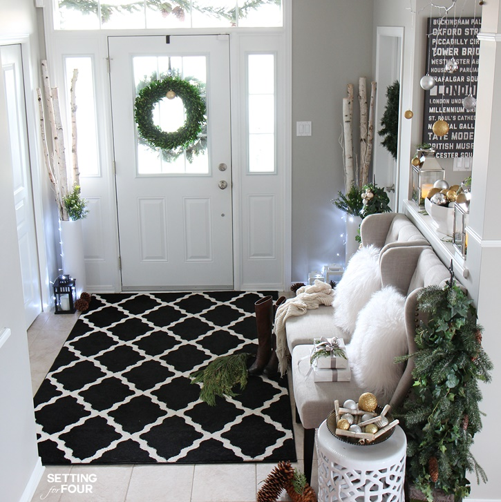 Christmas Foyer Rug : Christmas home tour with country living setting for four