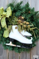 DIY Ice Skate Wreath Decor – Quick and Easy!