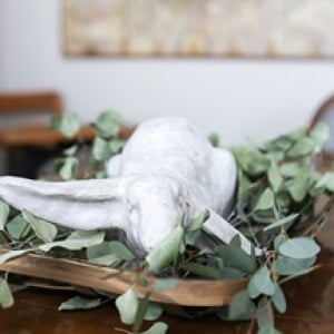 Simple Easter Bunny Centerpiece