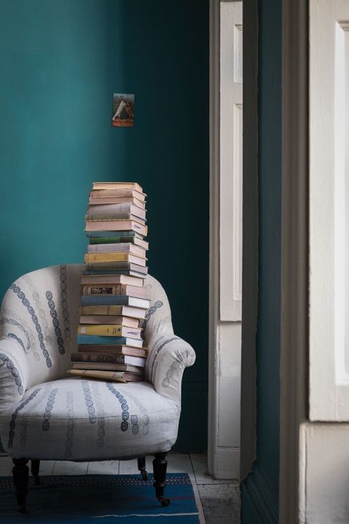 See the latest home paint color trends and ideas! Farrow and Ball Vardo