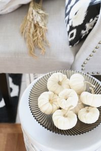 15 Cozy and Neutral Fall Decorating Ideas