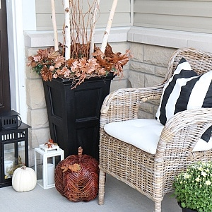 Welcome to my Fall Home Tour Part 2 - my Fall Front Porch! See my Fall porch decorating ideas!