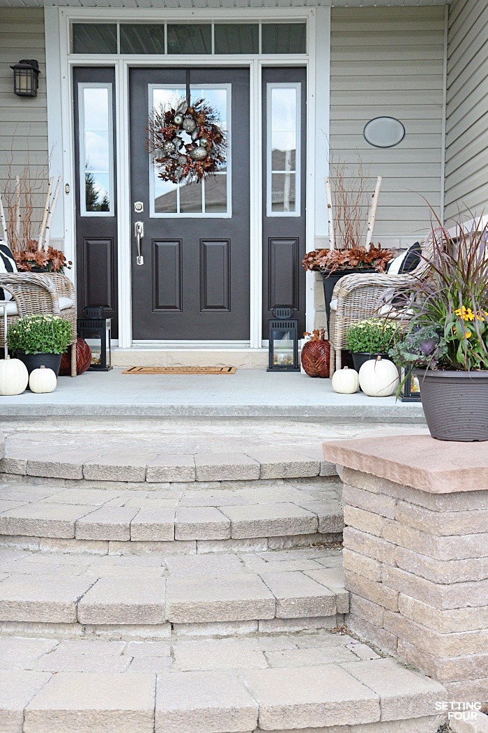 Welcome to my Fall Home Tour Part 2 - my Fall Front Porch! See my Fall Front Porch decorating ideas.