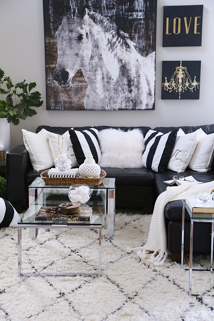 Neutral glam family room decorating ideas for Fall.