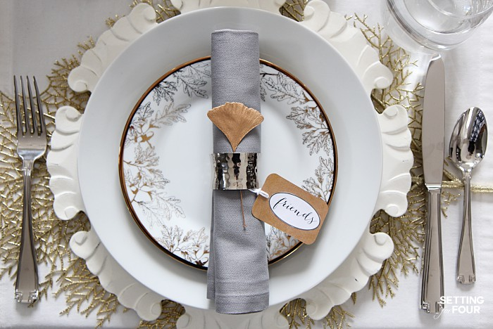 Easy Thanksgiving place setting ideas. #easy #thanksgiving #placesetting #tablescape #decorideas