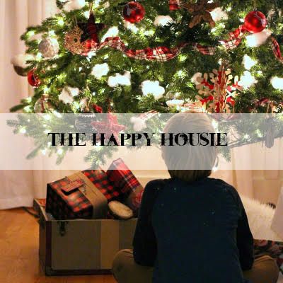 Christmas Lights at Night Home Tour at The Happy Housie blog.