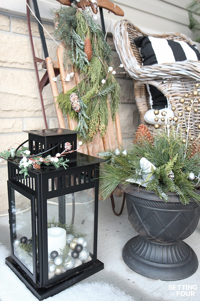 Holiday home decor ideas: See my Neutral and Elegant Christmas Home Tour and my Christmas porch decorating tips!