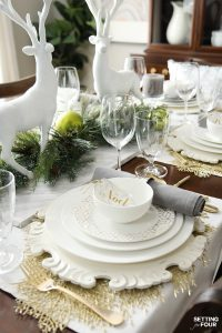 Holiday Home Decor Idea: See this design blogger's elegant HOLIDAY CHIC table setting Ideas and an exciting Mikasa Dinnerware Giveaway - sponsored - to win one 16 piece dinnerware set!
