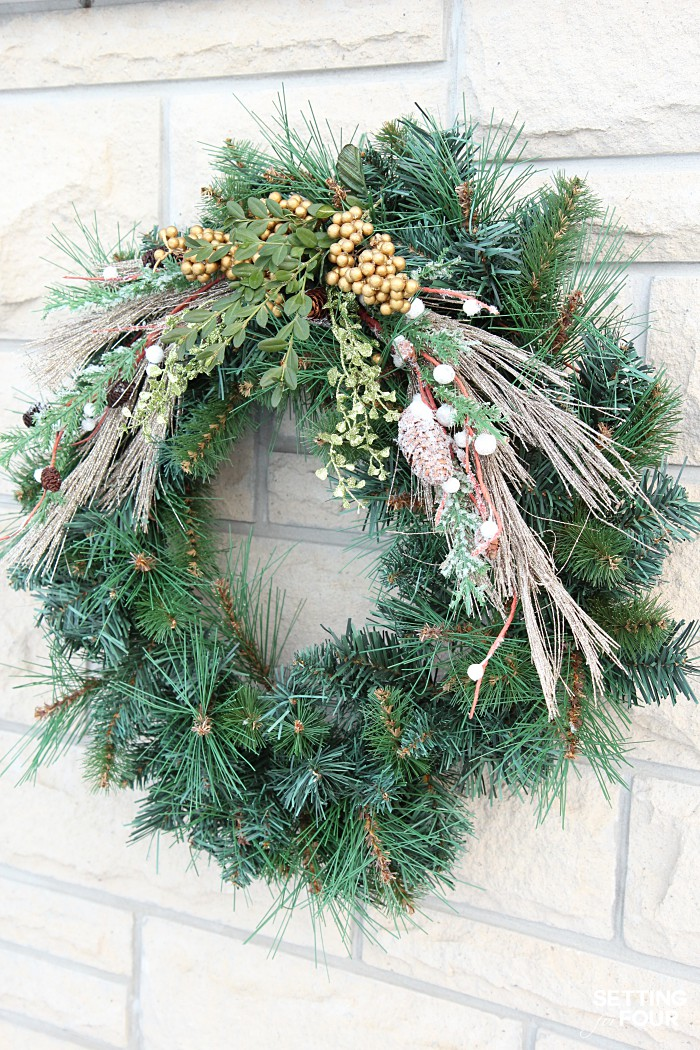 Holiday home decor ideas: See my Neutral and Elegant Christmas Home Tour and my Christmas wreath decorating tips!