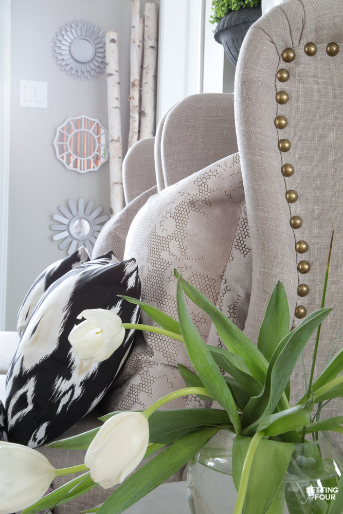 Spring Home Tour! See this beautiful foyer decorated for spring. Get the look - see the shopping sources and design ideas.