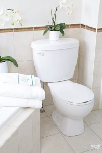 How To Deep Clean Your Bathroom in 5 Steps
