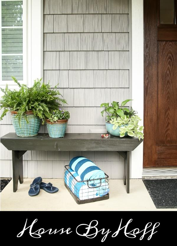 DIY Home Decor Idea with gorgeous Farmhouse style: Five board bench tutorial.