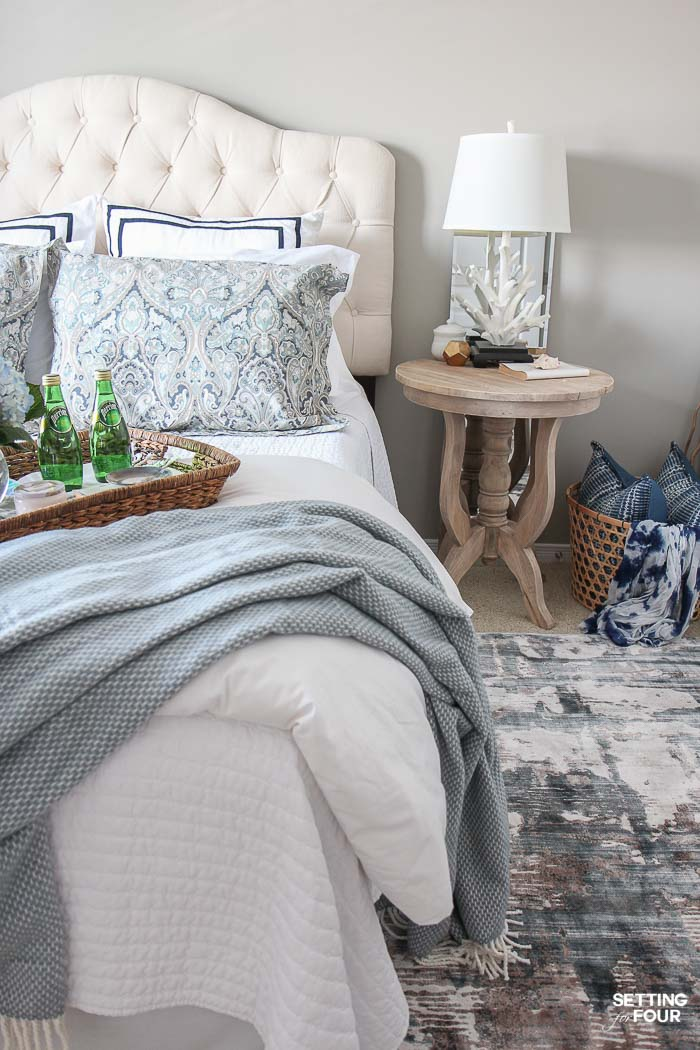 See the 12 ways to create a COZY guest bedroom your company will LOVE! : Add a cozy rug for the feet.
