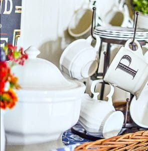An Elegant Kitchen Coffee Bar Idea for Fall