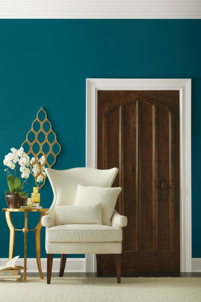 For your home: Looking for a paint color to paint your next room? See why I love Oceanside 6496, a beautiful blue color- Sherwin Williams Color Of The Year 2018 and see how it looks in real rooms! It a gorgeous color with dark wood tones!