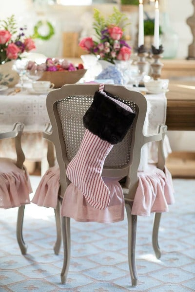 Love this! See how to create this Beautiful Pink French Farmhouse Christmas Table Decor! Easy DIY entertaining idea for the home.