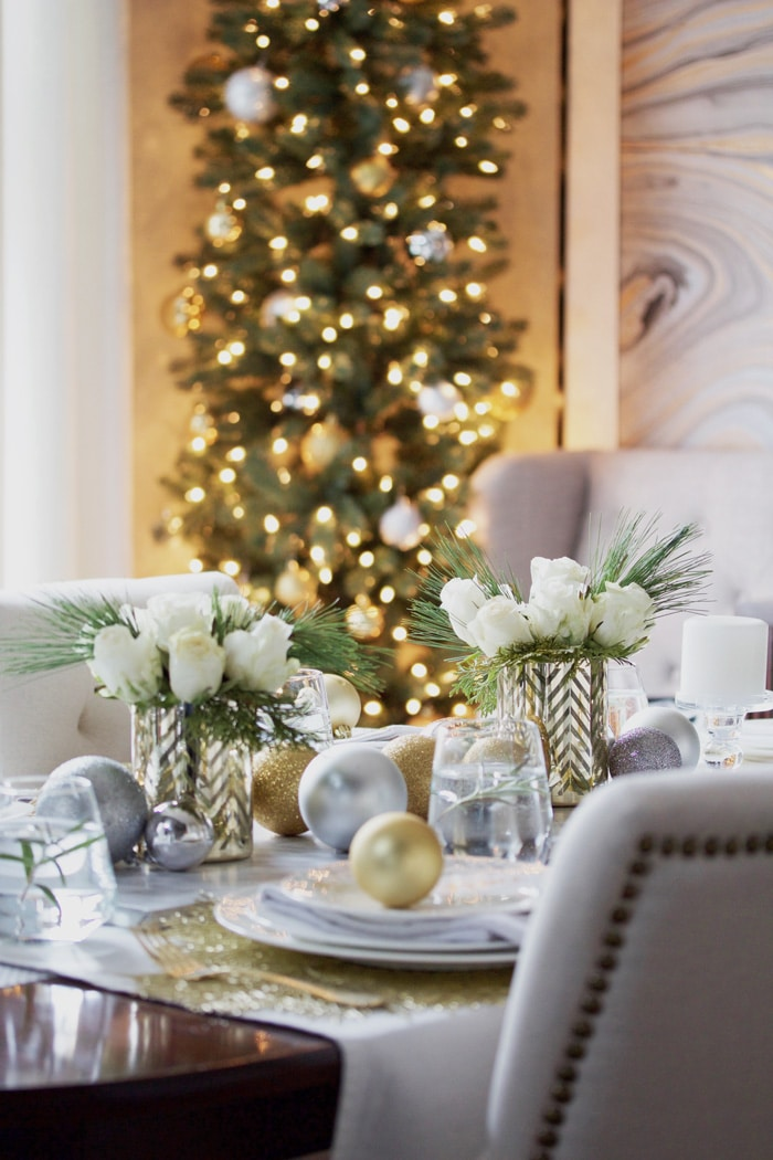 Love this! See how to create this Elegant Gold and White Christmas Table Decor! Easy DIY entertaining idea for the home.