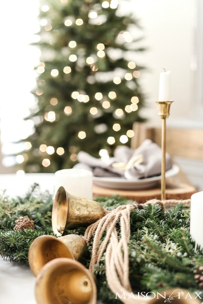 Love this! See how to create this Beautiful Green and Gold Farmhouse Christmas Table Decor! Easy DIY entertaining idea for the home.