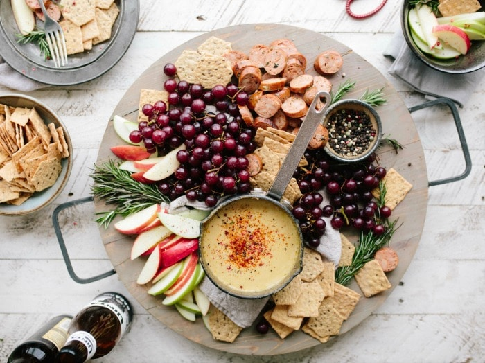 See these no fail tips on picking the types of cheese for the perfect cheese platter and entertain like a pro! This is the ultimate cheese plate guide that includes a FREE printable grocery list of cheeses and other ingredients you'll need for a delicious and beautiful cheese board presentation!